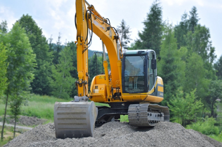 Flertal i Højesteret: Oprensning af grøft er ikke 'gravearbejder'