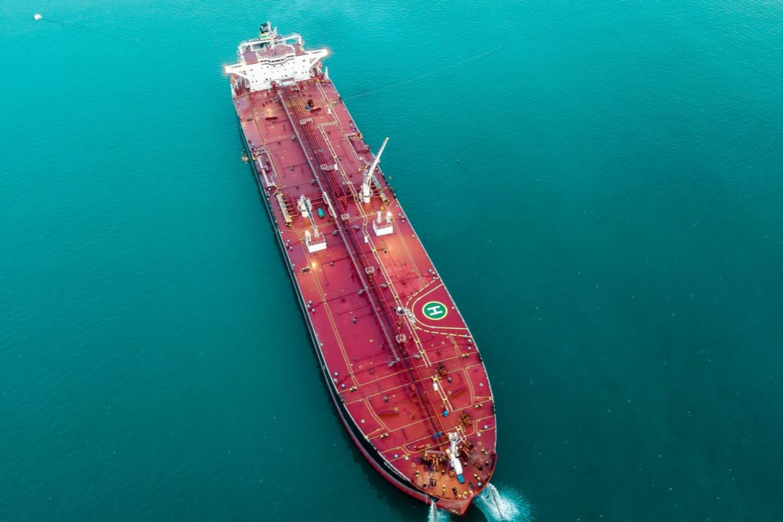 Erstatningsansvar ved kollision med ankerliggende skib