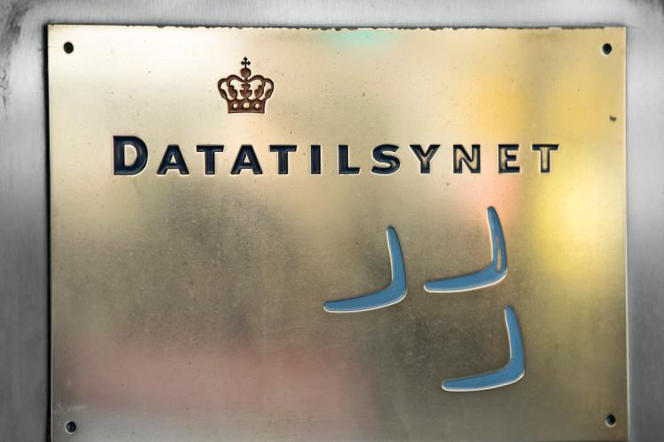 Datatilsynet udtaler alvorlig kritik af virksomheds brug af forkert behandlingsgrundlag
