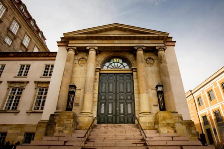 Ny dom om tinglysningsafgift ved adkomstændringer i forbindelse med omstruktureringer