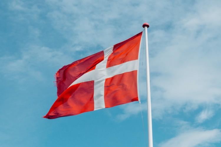 Bliver du skattepligtig i Danmark, hvis du midlertidigt flytter til landet på grund af COVID-19?