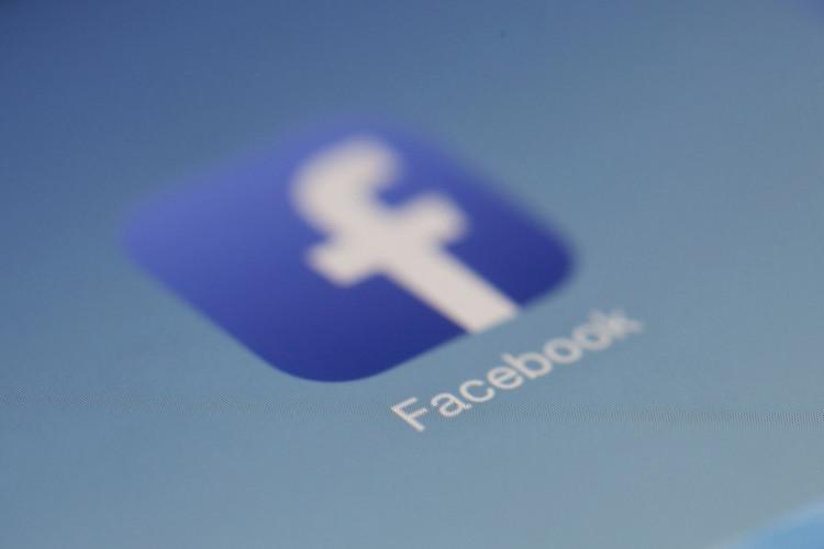 Indehaver af virksomhed anmeldt for skjult reklame på Facebook