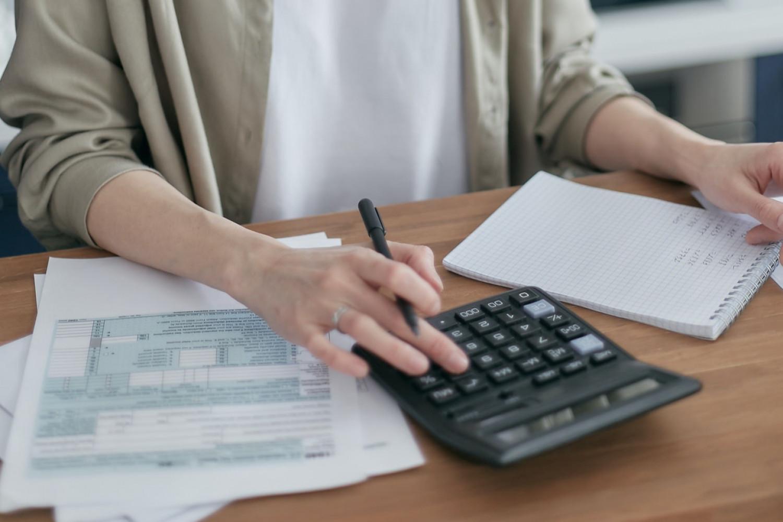 Tilbud med en pris lavere end den i udbudsmaterialet krævede minimum kunne afvises som ukonditionsmæssigt