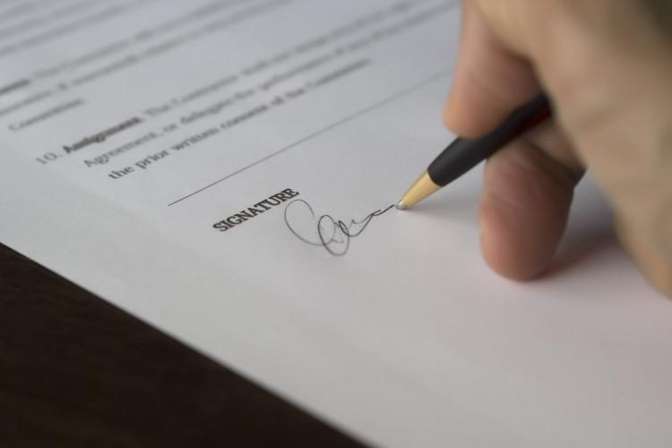 Medarbejder var ikke bundet af kundeklausul i ejeraftale